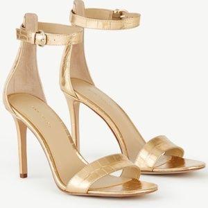 ANN TAYLOR Elly metallic sandal NIB 7 Gold